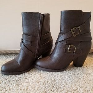 Brown faux leather heel boots